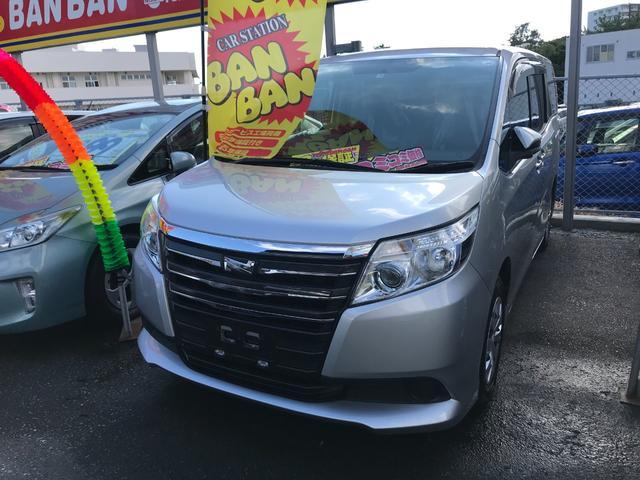 沖縄の中古車 トヨタ ノア 車両価格 103万円 リ済込 2015(平成27)年 8.0万km シルバー