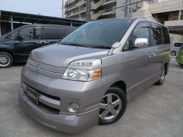 沖縄の中古車 トヨタ ヴォクシー 車両価格 48万円 リ済込 2006(平成18)年 6.9万km ガンM