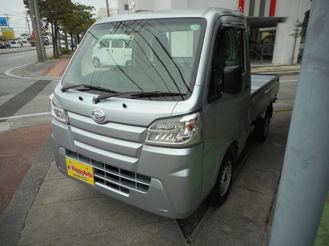 沖縄の中古車 ダイハツ ハイゼットトラック 車両価格 99万円 リ済込 2020(令和2)年 7km シルバー
