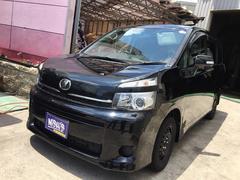 沖縄の中古車 トヨタ ヴォクシー 車両価格 120万円 リ済込 平成25年 7.0万K ブラック