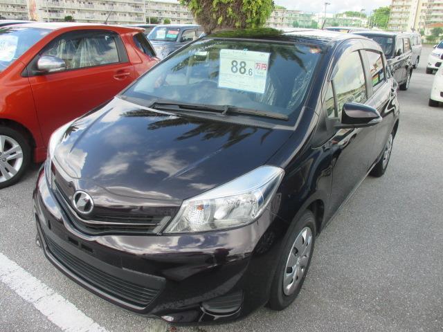 沖縄の中古車 トヨタ ヴィッツ 車両価格 88.6万円 リ済別 平成25年 6.5万km ボルドーマイカメタリック