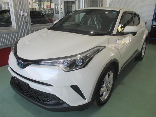 C-HR(沖縄 中古車) 色:ホワイトパールクリスタルシャイン 価格:243万円 年式:2017(平成29)年 走行距離:2.4万km