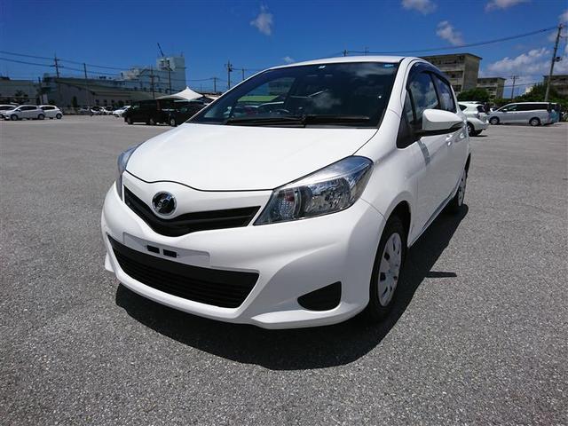 沖縄の中古車 トヨタ ヴィッツ 車両価格 82.5万円 リ済別 2014(平成26)年 3.9万km スーパーホワイト2