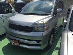 沖縄の中古車 トヨタ ヴォクシー 車両価格 22万円 リ済込 平成17年 10.7万K シルバーM