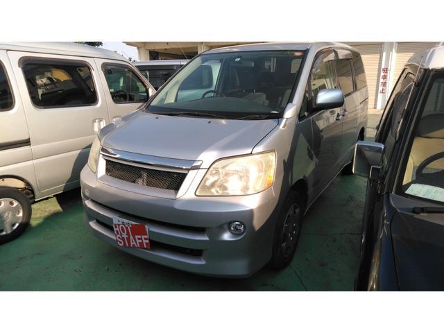 沖縄の中古車 トヨタ ノア 車両価格 24万円 リ済込 平成18年 11.3万km シルバー