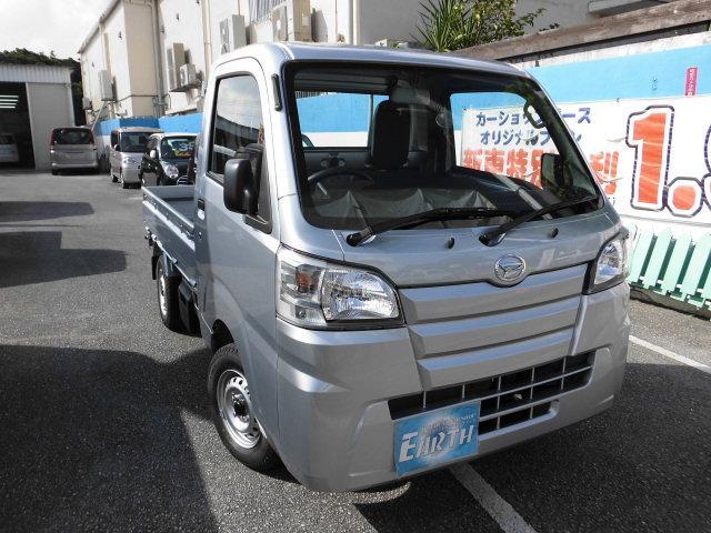 沖縄の中古車 ダイハツ ハイゼットトラック 車両価格 76.5万円 リ済込 新車  シルバー