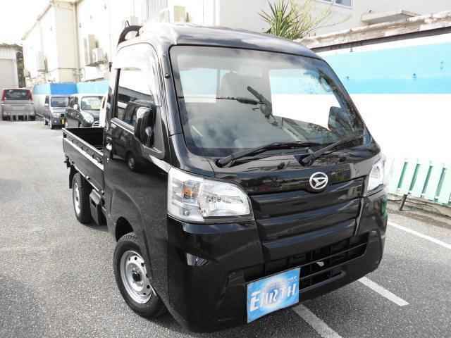 沖縄の中古車 ダイハツ ハイゼットトラック 車両価格 77.6万円 リ済込 新車  ブラック