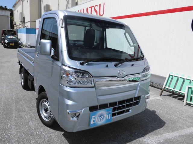 沖縄の中古車 ダイハツ ハイゼットトラック 車両価格 106.1万円 リ済込 2021(令和3)年 10km シルバーM