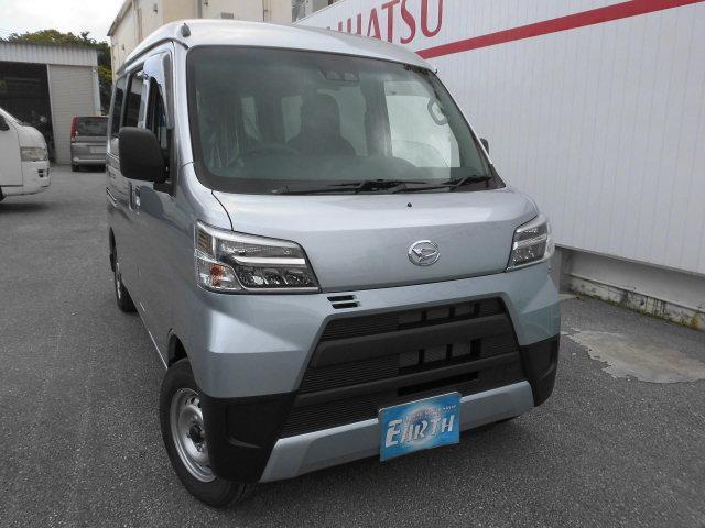 沖縄の中古車 ダイハツ ハイゼットカーゴ 車両価格 107万円 リ済込 2021(令和3)年 10km シルバーM