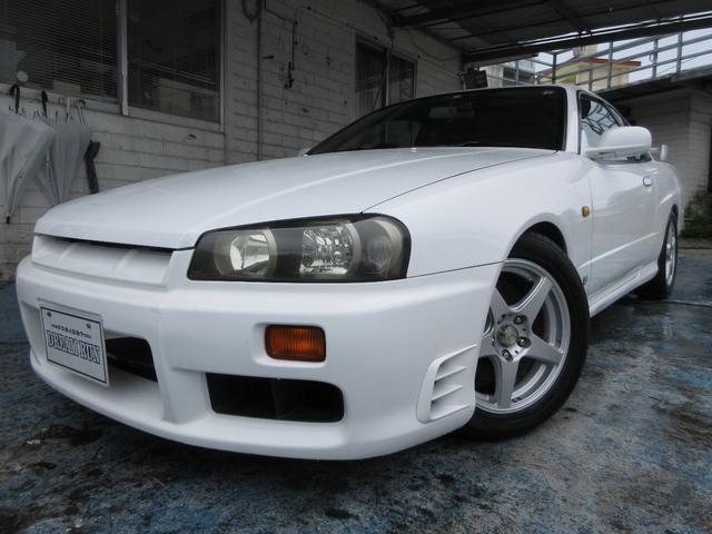 沖縄の中古車 日産 スカイライン 車両価格 179万円 リ済別 1998(平成10)年 23.2万km ホワイト
