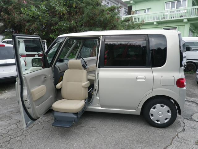 沖縄の中古車 ダイハツ タント 車両価格 28万円 リ済込 平成19年 11.2万km シャンパンゴールド