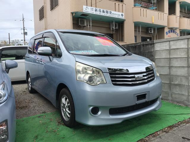 沖縄の中古車 トヨタ ノア 車両価格 69万円 リ済込 2011(平成23)年 9.7万km ライトブルー