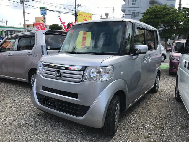 沖縄の中古車 ホンダ N-BOX 車両価格 73万円 リ済込 2014(平成26)年 6.7万km ライトシルバー