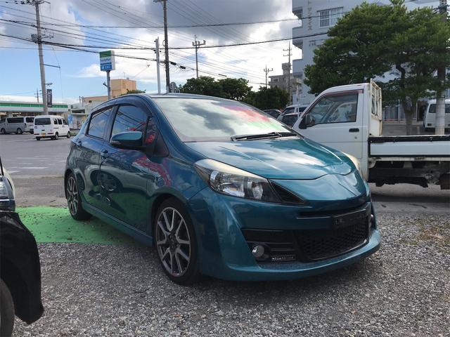 沖縄の中古車 トヨタ ヴィッツ 車両価格 85万円 リ済込 2012(平成24)年 7.7万km ブルー