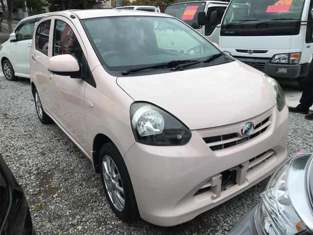 沖縄の中古車 ダイハツ ミライース 車両価格 32万円 リ済込 2011(平成23)年 10.9万km ピンク