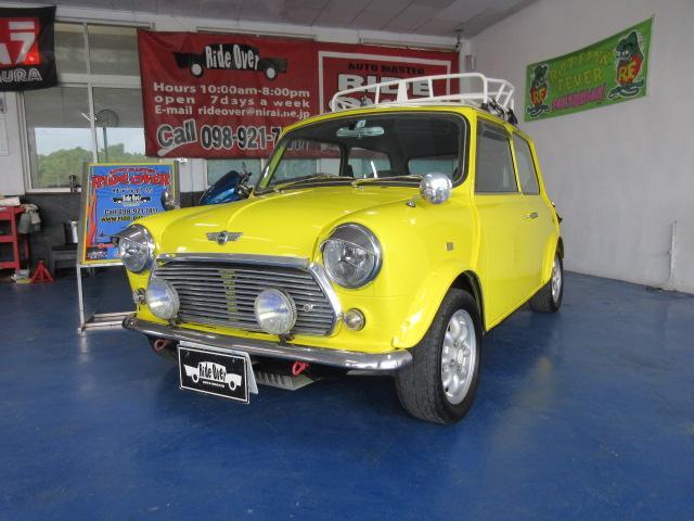 沖縄県の中古車ならMINI クーパー レストア済み 革張りシート  社外足回り センターマフラー ウッドパネル