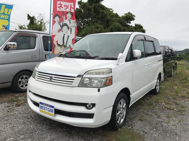 沖縄の中古車 トヨタ ヴォクシー 車両価格 25万円 リ済込 2006(平成18)年 10.6万km ホワイト