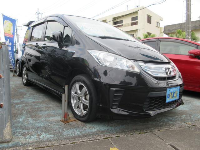 沖縄の中古車 ホンダ フリードハイブリッド 車両価格 85万円 リ済込 2012(平成24)年 8.2万km ブラック