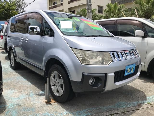 沖縄県沖縄市の中古車ならデリカD:5  スマートキー キーフリースタート 両側パワースライドドア ETC 横滑り防止 3列シート ナビ TV Bluetooth ミュージックサーバー