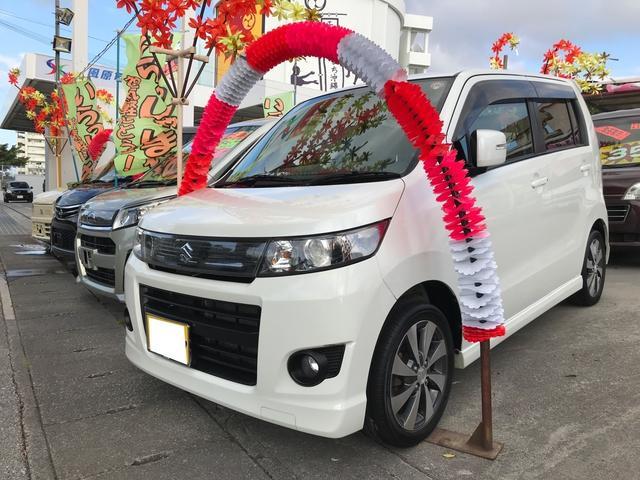 沖縄の中古車 スズキ ワゴンRスティングレー 車両価格 42万円 リ済込 2012(平成24)年 11.4万km パールホワイト