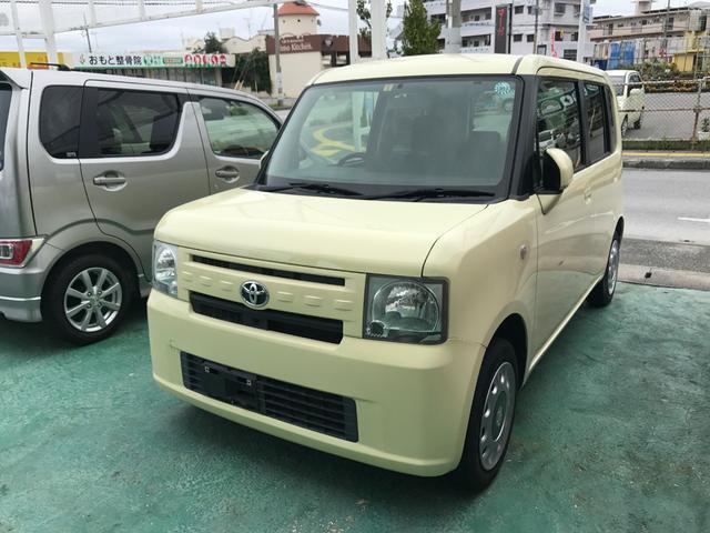 沖縄の中古車 トヨタ ピクシススペース 車両価格 63万円 リ済込 平成25年 7.1万km クリーム