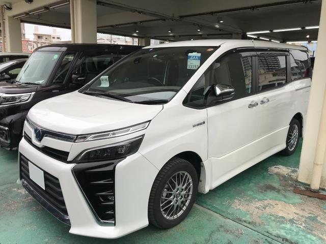 沖縄の中古車 トヨタ ヴォクシー 車両価格 252万円 リ済込 2018(平成30)年 7.8万km パール