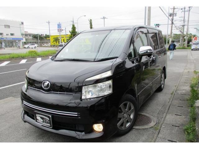 沖縄の中古車 トヨタ ヴォクシー 車両価格 55万円 リ済込 2010(平成22)年 16.1万km ブラック
