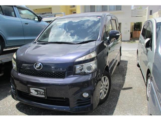 沖縄県沖縄市の中古車ならヴォクシー ZS スマートキー 左パワースライドドア 純正ナビ TV Bluetooth 3列シート パドルシフト バックカメラ