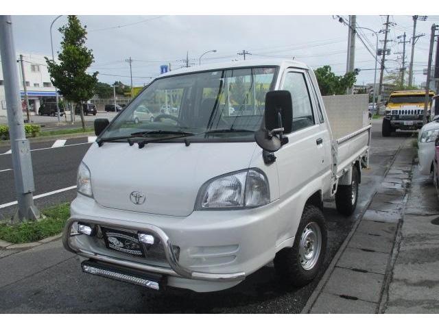 沖縄県の中古車ならタウンエーストラック ジャストローDX リフトアップ 新品MTタイヤ パワーゲート クラッチ板交換済み 4点カメラ リヤゲートステンレス製作 4WD ガソリン 最大積載量700kg 3名乗り