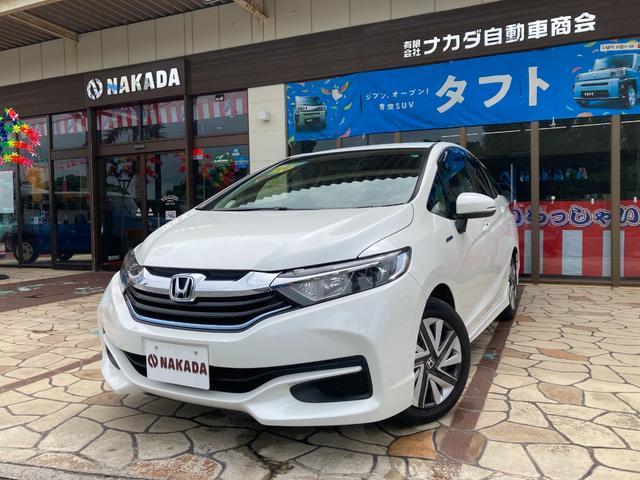 沖縄の中古車 ホンダ シャトル 車両価格 120万円 リ済別 2016(平成28)年 6.8万km ホワイトオーキッドパール