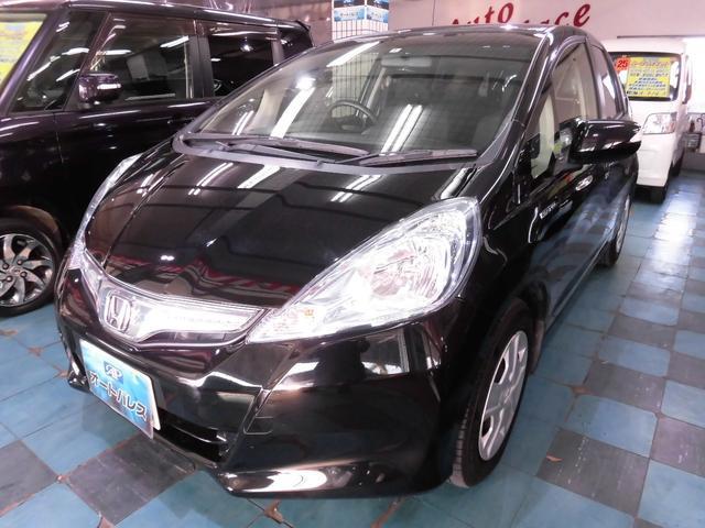 沖縄の中古車 ホンダ フィットハイブリッド 車両価格 55万円 リ済込 平成24年 8.0万km ブラック
