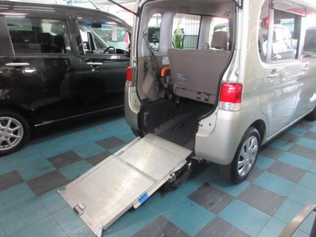 沖縄県の中古車ならタント  車椅子スローパーリアシート付き仕様