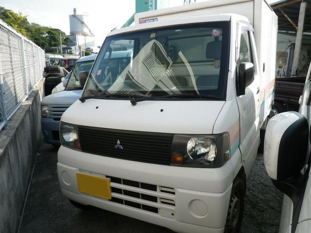沖縄の中古車 三菱 ミニキャブトラック 車両価格 21万円 リ済込 平成17年 14.8万km ホワイト
