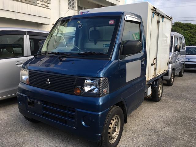 沖縄の中古車 三菱 ミニキャブトラック 車両価格 23万円 リ済込 平成15年 20.6万km 紺