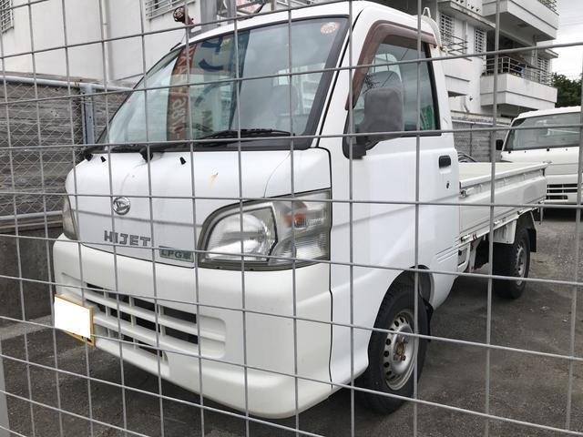 沖縄の中古車 ダイハツ ハイゼットトラック 車両価格 35万円 リ済別 2005(平成17)年 0.7万km ホワイト