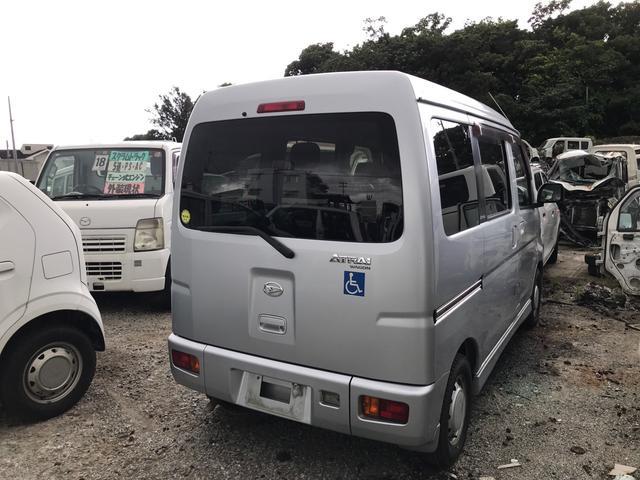沖縄の中古車 ダイハツ アトレーワゴン 車両価格 25万円 リ済込 2012(平成24)年 16.3万km ブライトシルバーメタリック