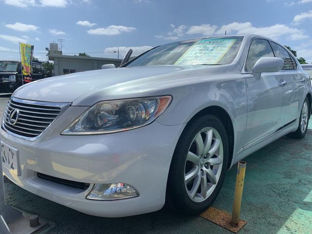 沖縄の中古車 レクサス LS 車両価格 139万円 リ済込 2008(平成20)年 9.9万km パールM