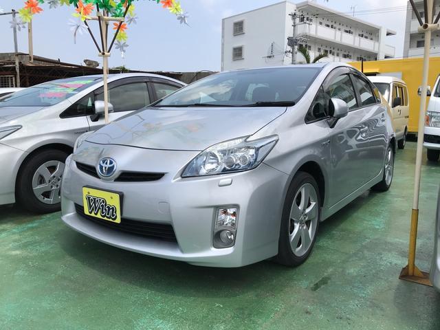沖縄の中古車 トヨタ プリウス 車両価格 89万円 リ済込 平成23年 9.2万km シルバー