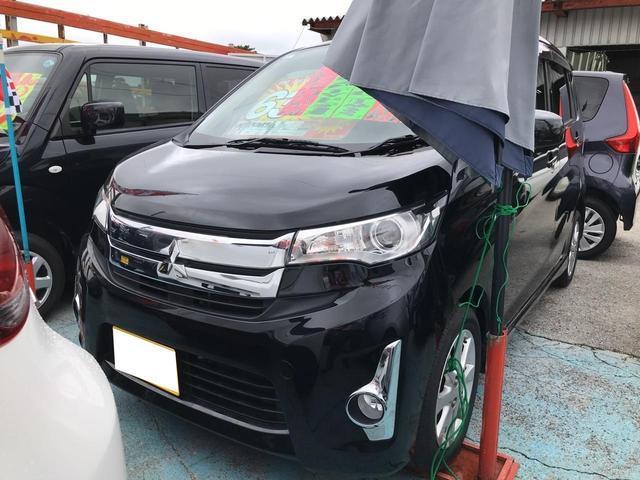 沖縄の中古車 三菱 eKカスタム 車両価格 58万円 リ済込 2015(平成27)年 9.9万km ブラックマイカ
