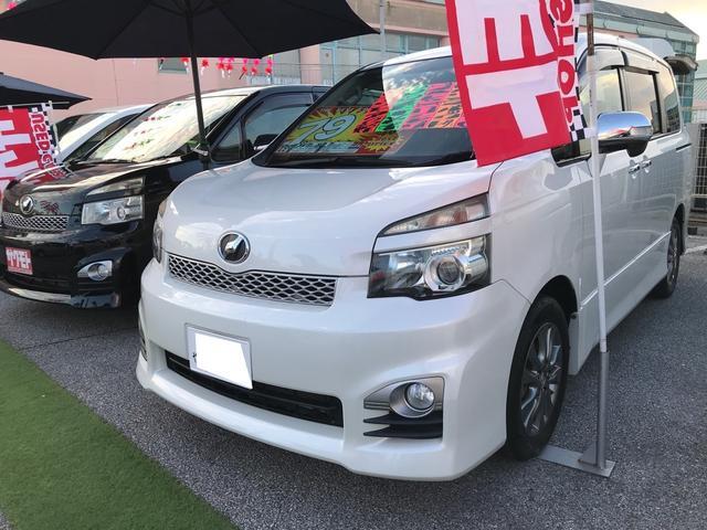 沖縄の中古車 トヨタ ヴォクシー 車両価格 78万円 リ済込 2011(平成23)年 10.9万km ホワイトパールクリスタルシャイン