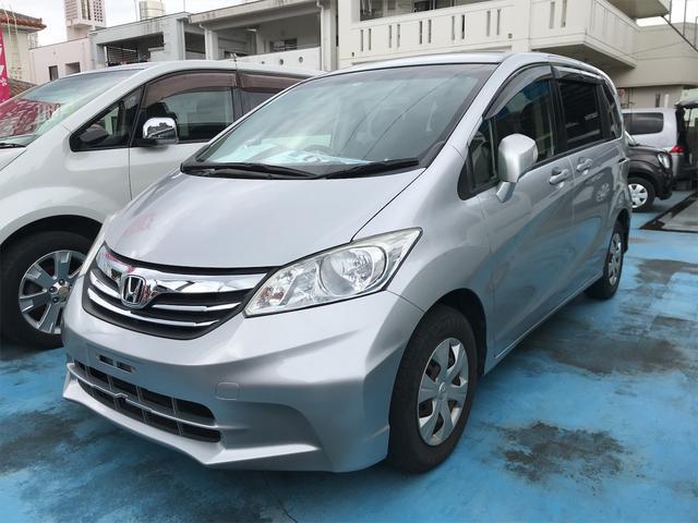 沖縄の中古車 ホンダ フリード 車両価格 53万円 リ済込 2012(平成24)年 8.2万km シルバー