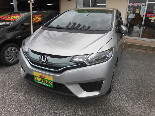 沖縄の中古車 ホンダ フィットハイブリッド 車両価格 69万円 リ済込 2015(平成27)年 7.7万km シルバーM