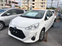 沖縄の中古車 トヨタ アクア 車両価格 125万円 リ済別 平成27年 4.6万K ホワイト