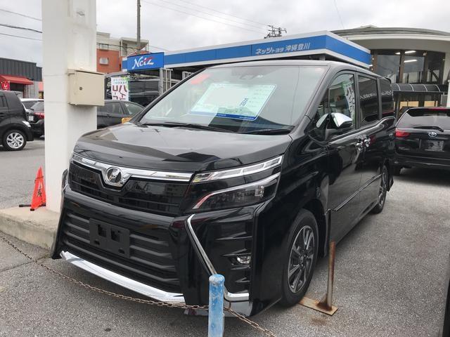 沖縄の中古車 トヨタ ヴォクシー 車両価格 268万円 リ済別 平成30年 0.3万km ブラック