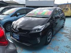 沖縄の中古車 トヨタ プリウス 車両価格 119万円 リ済別 平成25年 6.3万K ブラック