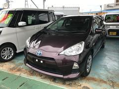 沖縄の中古車 トヨタ アクア 車両価格 113万円 リ済別 平成26年 5.3万K ダークパープル