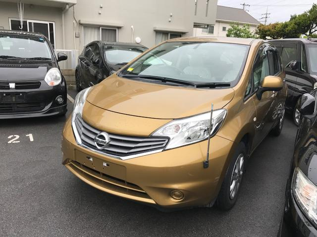 沖縄の中古車 日産 ノート 車両価格 59万円 リ済別 平成25年 2.8万km ゴールド