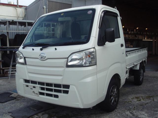 沖縄の中古車 ダイハツ ハイゼットトラック 車両価格 65万円 リ済込 2015(平成27)年 13.2万km ホワイト