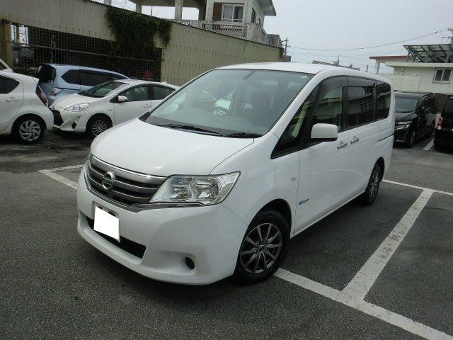 沖縄の中古車 日産 セレナ 車両価格 65万円 リ済別 2013(平成25)年 13.9万km ホワイト