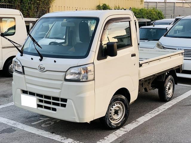 沖縄の中古車 ダイハツ ハイゼットトラック 車両価格 55万円 リ済別 2015(平成27)年 10.1万km ホワイト